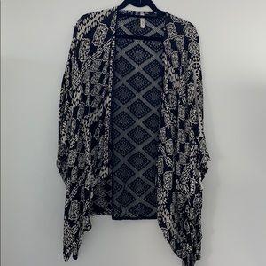 Black and white kimono w black crochet back